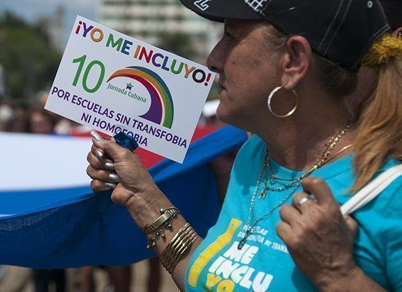 Conga cubana contra la homofobia y la transfobia. Foto: Irene Pérez/ Cubadebate.
