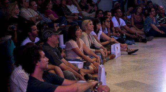 """Liuba María Hevia presentó su nueva producción """"Vidas Paralelas"""" con concierto en la Sala Che Guevara de Casa de las Américas, 12 de mayo de 2017. Foto: Ismael Francisco / Cubadebate"""