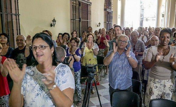 Más de 200 personas participaron en la celebración en La Habana de la liberación de Oscar López Rivera. Foto: Ismael Francisco/ Cubadebate.
