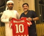 Maradona regresa al fútbol como director técnico de un equipo de segunda división en la liga de Emiratos Árabes. Foto: Diego Maradona/ Facebook.