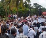 Diversas marchas en todo Sinaloa se efectúan este día para exigir justicia y no quede impune el asesinato del reportero y escritor Javier Valdez Cárdenas. Foto: La Jornada.