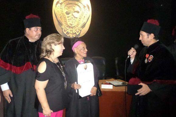 Diva cubana Omara Portuondo ostenta nuevo lauro internacional.
