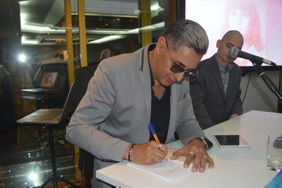 4.Paulo Fernández Gallo, hijo de Cary Gallo, agradeció a todos la presencia. Foto: Marianela Dufflar/ Cubadebate.