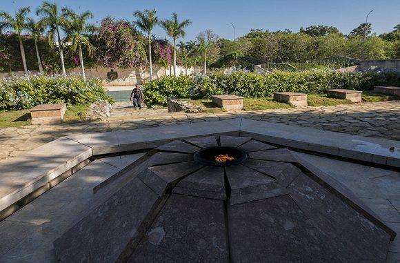 Restauración del Complejo Escultórico Ernesto Guevara, de Santa Clara. Foto: Jennifer Romero/Cubadebate.