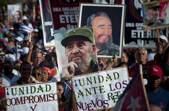 Cuba va con su Revolución