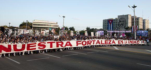 A las 7:30 a.m. comenzó el acto de celebración por el Día Internacional de los Trabajadores en la Plaza de la Revolución José Martí. Foto: Irene Pérez/ Cubadebate.