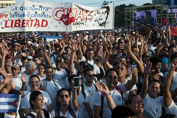 La fiesta por el Día Internacional de los Trabajadores estuvo dedicada a las nuevas generaciones, que este año celebran el aniversario 55 de la UJC. Foto: Irene Pérez/ Cubadebate.