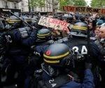 La policía usó bombas lacrimógenas y balas de goma para contener a los manifestantes.   Foto: Reuters.