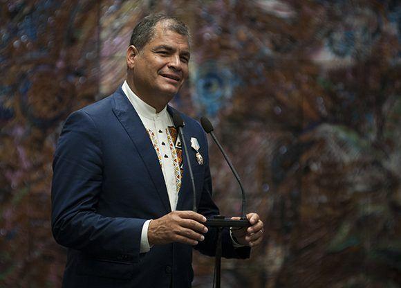 Recibe Rafael Correa Orden José Martí. Foto: Irene Pérez/ Cubadebate.