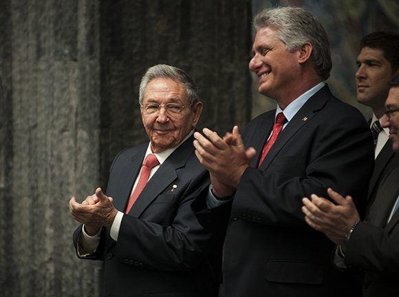 Raúl y el Vicepresidente primero Miguel Díaz Canel. Foto: Irene Pérez/ Cubadebate.