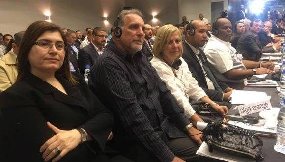El héroe cubano, René González, participa en un foro internacional solidario con la causa palestina. Foto: Facebook.