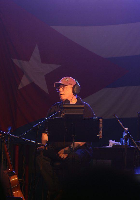 Silvio en el Barrio Obrero. Foto: José Raúl/ Cubadebate.