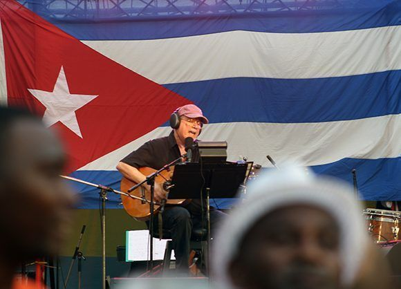 Silvio Rodríguez dio su concierto 83 por los Barrios en San Miguel del Padrón. Foto: José Raúl/ Cubadebate.