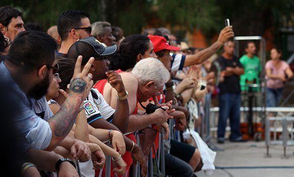 El público sanmiguelino disfrutó de Silvio Rodríguez en la tarde de este viernes 26 de mayo. Foto: José Raúl/ Cubadebate.