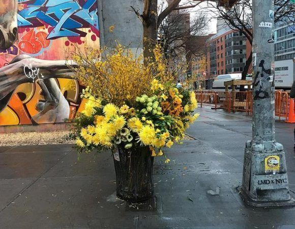 trash-cans-flowers-new-york-lewis-miller-5_11