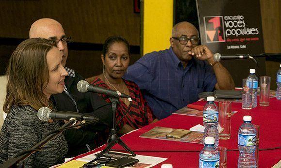 a cantante cubana Arguelia Fragoso, en rueda de Prensa, del Encuentro Voces Populares. Foto: Ismael Francisco/Cubadebate.