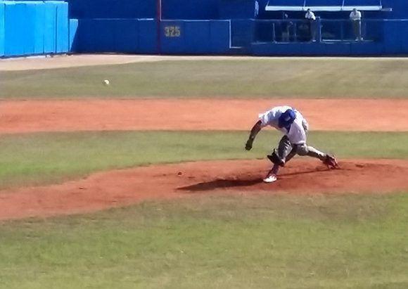 Andy Herrera respondió a la confianza de los técnicos. Foto: Katheryn Felipe/Cubadebate.