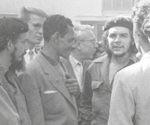 Che Guevara, presidente del Banco Nacional, y Richard Goodwin, asesor del presidente John F. Kennedy (JFK), a sólo 4 meses de la invasión de Bahía de Cochinos. Foto: PL.