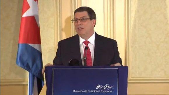 El canciller cubano bruno rodríguez en la Conferencia de Prensa de hoy en viena, austria. Foto: Twitter.