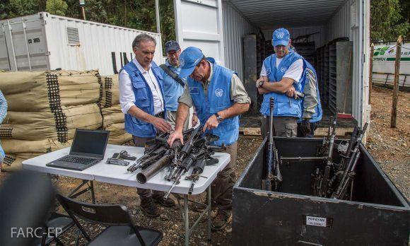 El Jefe de la Misión de la ONU en Colombia, Jean Arnault, participó en el acto de dejación de las armas por parte de las Farc, este martes en la zona veredal de La Elvira, en Buenos Aires, Cauca.
