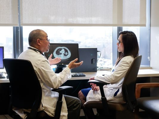 Una vacuna cubana podría algún día convertir el cáncer de pulmón en ... 8b3041f979f