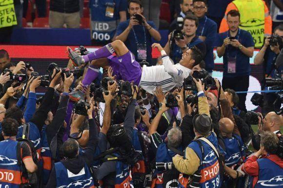 el-real-madrid-celebra-la-consecucion-de-su-champions-numero-12-13