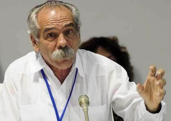 El doctor Jorge González llegó a Bolivia a mediados de diciembre de 1995, como representante de los familiares del Che, Tania la Guerrillera y de los cubanos caídos.