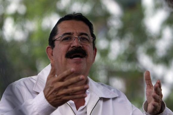 """Manuel Zelaya: """"¡Qué miseria la de estos países, qué farsa la democracia, qué sistema más oprobioso el de América Latina!"""" Foto: EFE."""