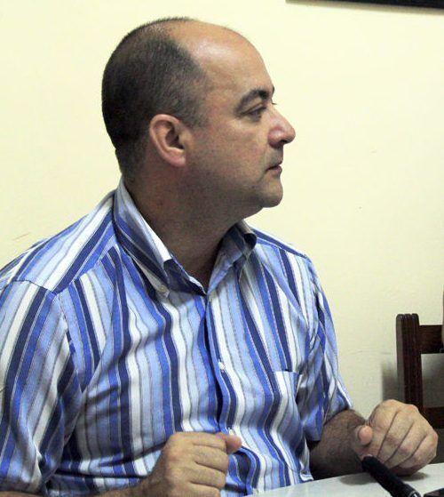 "Ernesto Limia, autor del libro ""Cuba ¿Fin de la Historia?"" Foto: Daylén Vega / Cubadebate."
