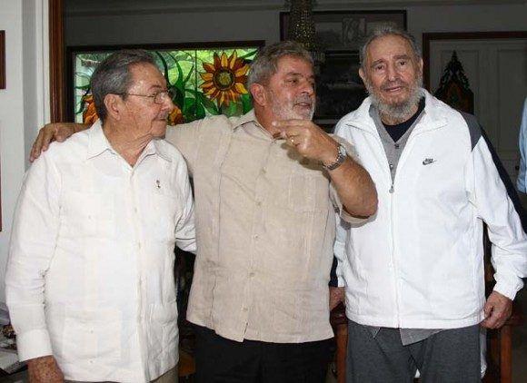 Llama Raúl Castro a denunciar agresión contra Venezuela
