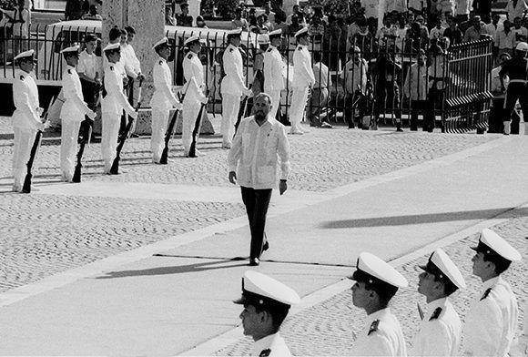 Fidel llega a La Cumbre Iberoamericana, celebrada en Cartagena de Indias, Colombia. Julio1993