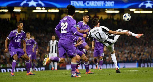 Mario Mandžukić marcó un golazo en la final de la Champions ante el Real Madrid. Foto: AFP.