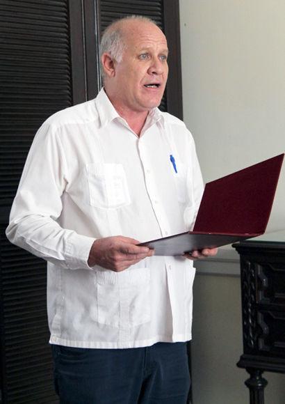 El acuerdo del Consejo de Estado fue leído por Fernando Rojas, Vice-ministro de Cultura. Fotos: Daylén Vega / Cubadebate