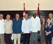 El diputado Esteban Lazo Hernández (C der.), presidente de la Asamblea Nacional del Poder Popular (ANPP), junto a Brahim Ghali (C izq.), presidente de la República Árabe Saharaui Democrática, junto a las delegaciones de ambos países, en el Capitolio Nacional, sede institucional de la ANPP, en La Habana, Cuba, el 2 de junio de 2017. Foto: ACN/ Tony Hernández.