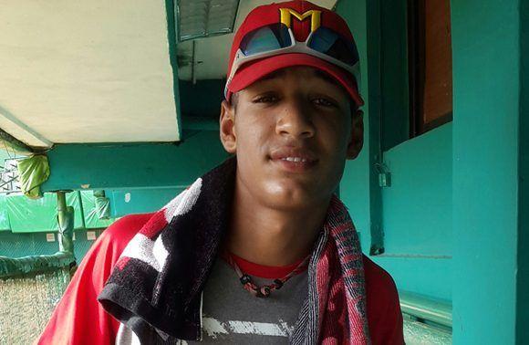 Víctor Mesa Jr, el hijo menor del estelar jardinero villaclareño y actual manager de Industriales. Foto tomada de D' Deporte.