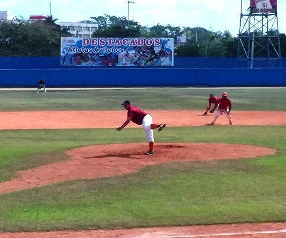 El zurdo villacñareño, Yuniel Jaramillo, trabajó sin apremios ante Santiago de Cuba. Foto: Katheryn Felipe/Cubadebate.