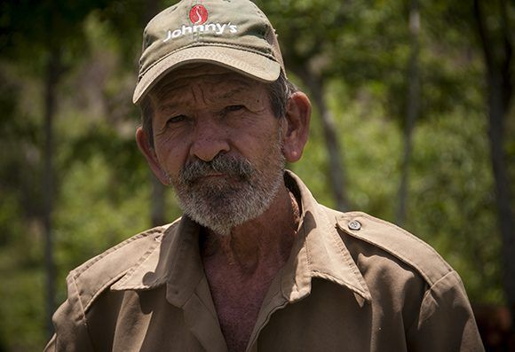 Juan Machado, el pocero de la zona. Foto: Irene Pérez/ Cubadebate.