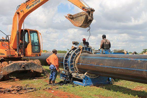La obra cuenta, hasta el momento, con un costo de 7,5 millones de pesos y han trabajado 280 hombres. Foto: Oilda Mon/ Tribuna de La Habana.