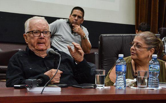 El Dr. Armando Hart Dávalo, director de la Oficina del Programa Martiano y presidente de la Sociedad Cultural José Martí. Foto: ACN/ Marcelino Vázquez.