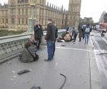 Imágenes tras el ataque en Londres en ell puente de Westminster y cerca del Parlamento británico Imágenes tras el ataque en Londres en ell puente de Westminster y cerca del Parlamento británico. Foto: Reuters.