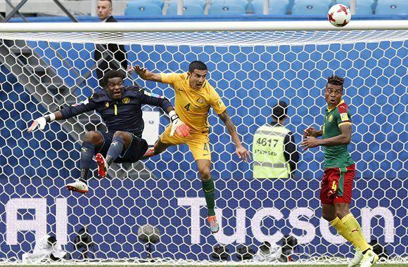 Australia y Camerún también empataron en el Grupo B de la Copa Confederaciones. Foto: AP.