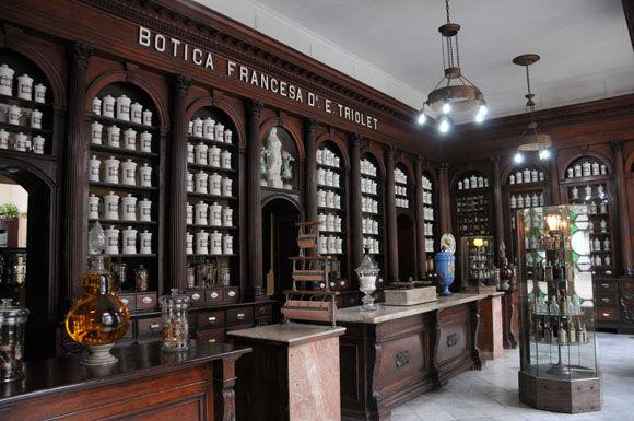 FarmaciaTriolet oBotica Francesa, actualmente Museo Farmacéutico de Matanzas. Foto: Archivo.