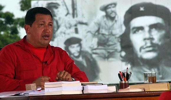 Hugo Chavez, en su programa televisivo Alo Presidente desde la Plaza Che Guevara, en Santa Clara, Cuba. Foto:Ismael Francisco/Cubadebate