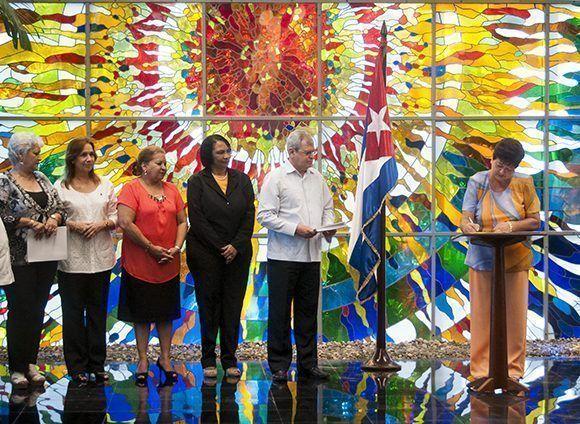La Comisión Electoral Nacional, designada por el Consejo de Estado con vistas a las elecciones generales, está integrada por 17 miembros, en su mayoría mujeres. Foto: Irene Pérez/ Cubadebate.
