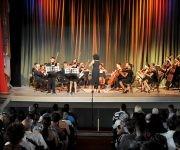La Orquesta Sinfónica de Villa Clara, dirigida por la maestra Irina Toledo, abrió el espectáculo musical. Foto: Ramón Barreras Valdés/ Vanguardia.