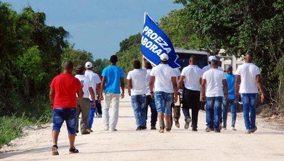 Concluyó la rehabilitación capital del Dique Sur, obra hidráulica que permite contrarrestar los efectos de la intrusión marina este litoral de la antigua Provincia de La Habana. Foto: Ricardo López Hevia/ Granma.