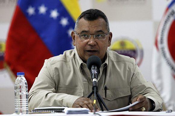 Néstor Luis Reverol, ministro del Poder Popular para Interior, Justicia y Paz, informó sobre las víctimas que deja otra ola de violencia convocada por la oposición en Venezuela. Foto tomada de Correo del Orinoco.
