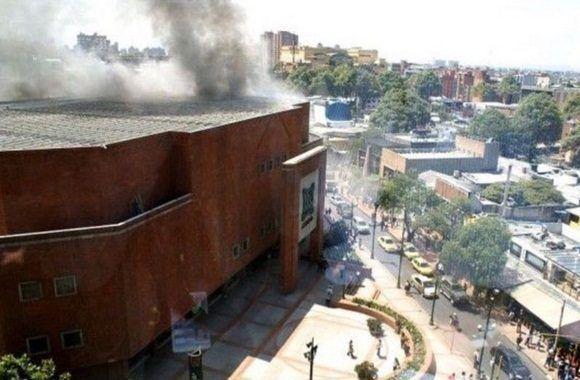 Explosión en Centro Comercial de Bogotá ocasiona al menos 3 muertes