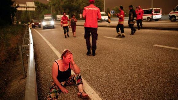 Se han reportado más incendios a través de Portugal causados, se cree, por relámpagos. Foto: EPA.