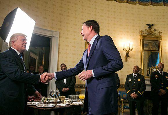El exdirector del FBI, James Comey, relató todo lo sucedido durante sus nueve conversaciones con Donald Trump, desde que el magnate asumiera la presidencia de Estados Unidos. Foto: Al Drago/ The New York Times.